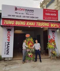 Tưng bừng khai trương đại lý Cửa thép vân gỗ Koffmann ở Hà Nam
