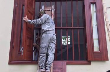 Khả năng cách nhiệt của cửa thép vân gỗ