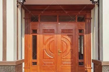 Cửa 4 cánh mặt tiền nên dùng cửa cánh lệch hay đều?