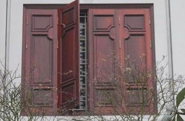 Ưu và nhược điểm của cửa sổ 4 cánh bằng gỗ