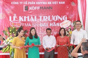 Tưng bừng khai trương đại lý cửa thép vân gỗ Koffmann – Yên Bái