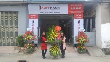 Koffmann từng bừng khai trương đại lý Cửa thép vân gỗ Nam Hồng tại Bắc Ninh
