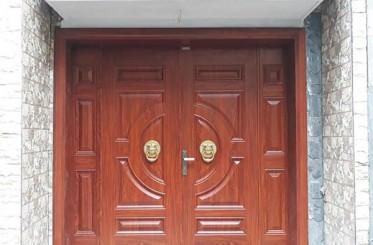Ưu nhược điểm của cửa thép vân gỗ